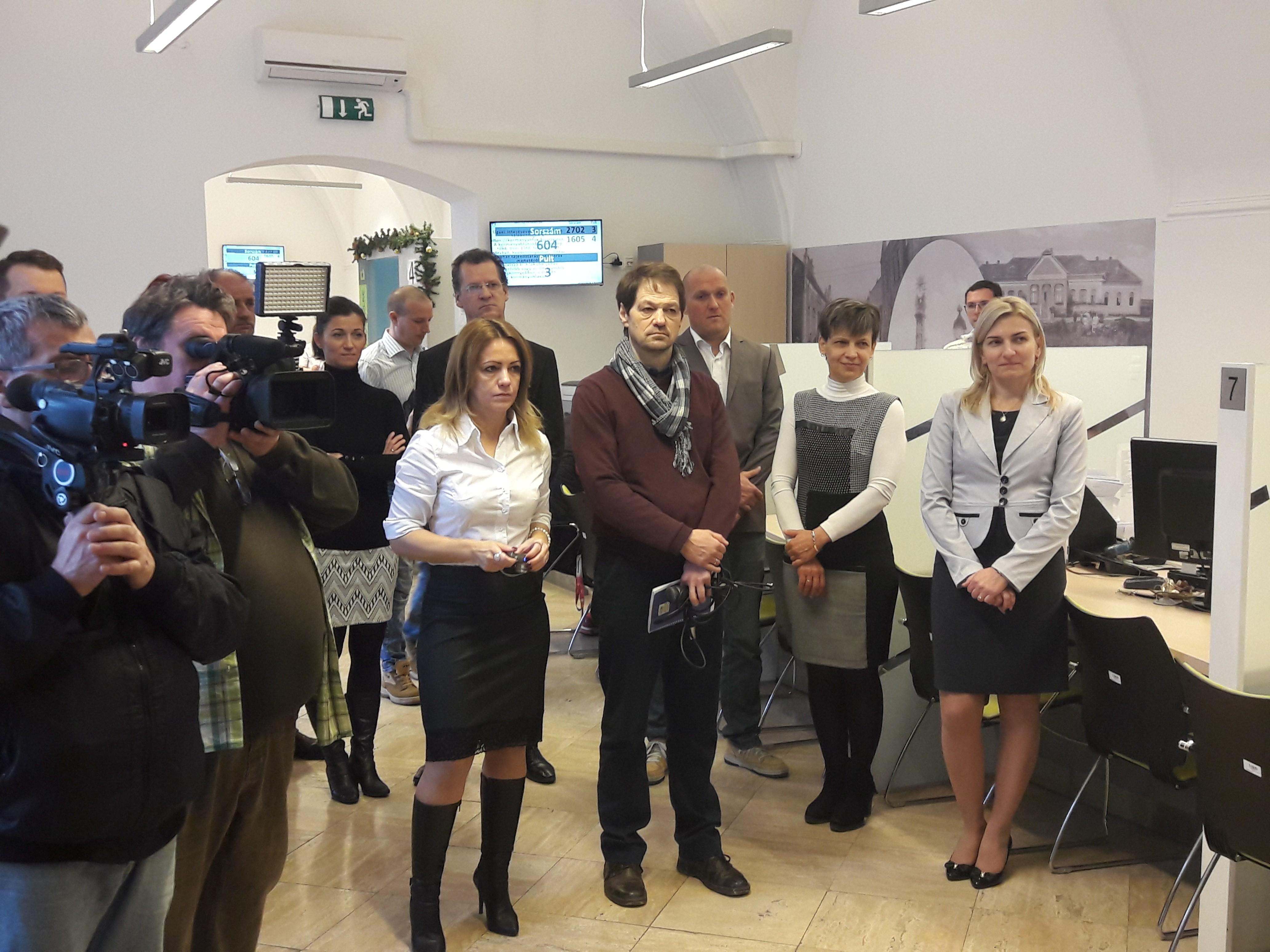 Már a Bonyhádi Kormányablakban is megnyílt a NAV ügyfélszolgálat
