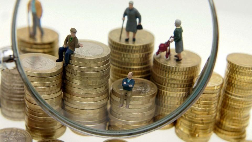 A nyugdíjbiztosításoknál a december a szerződési csúcsidőszak az adójóváírások miatt