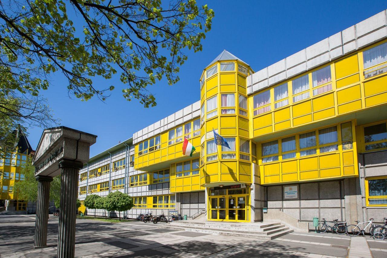 Főiskolai képzés indulhat szeptemberben Pakson