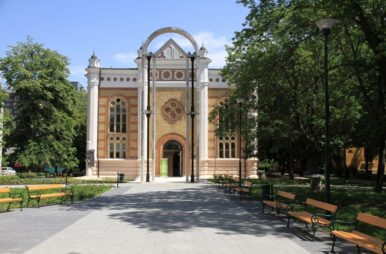 A dunaszerdahelyi galéria gyűjteményéből nyílik kiállítás Szekszárdon