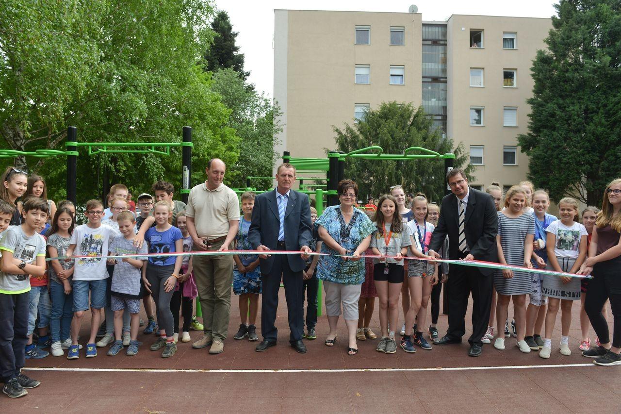 Sportos programmal avatták fel Bonyhád megújult parkját