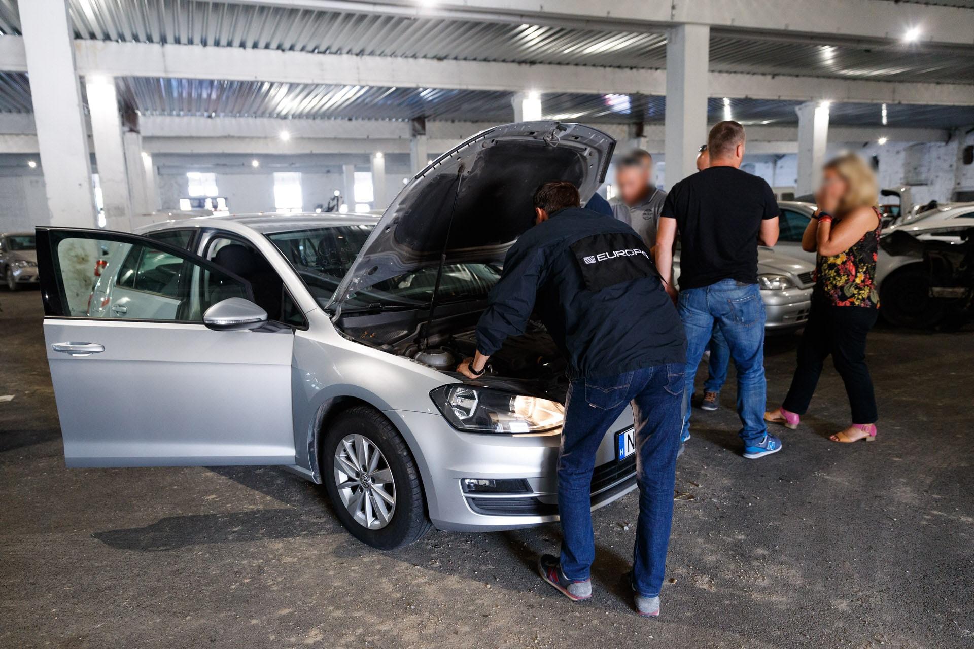 Spanyolországban csalással megszerzett járműveket foglaltak le Tolna megyében