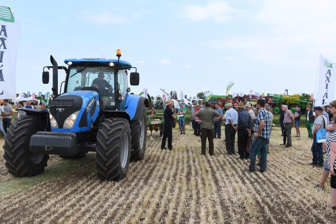 Páratlan agrárgépshow-nak ad otthont Tolna megye