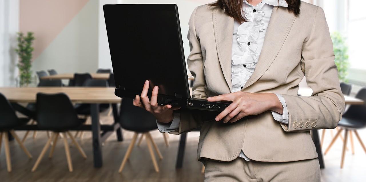 Ösztöndíjprogramot hirdet a Design Terminál a nők munkavállalásáért