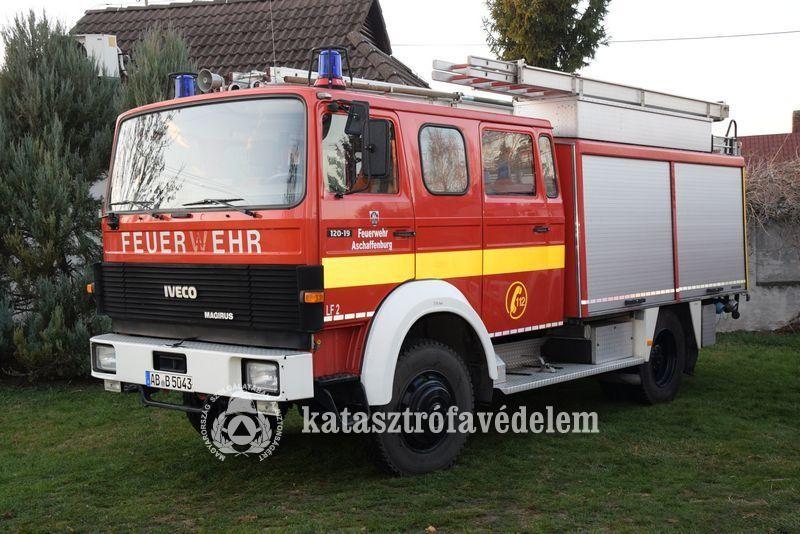 Tűzoltóautót kapott a Faddi ÖTE