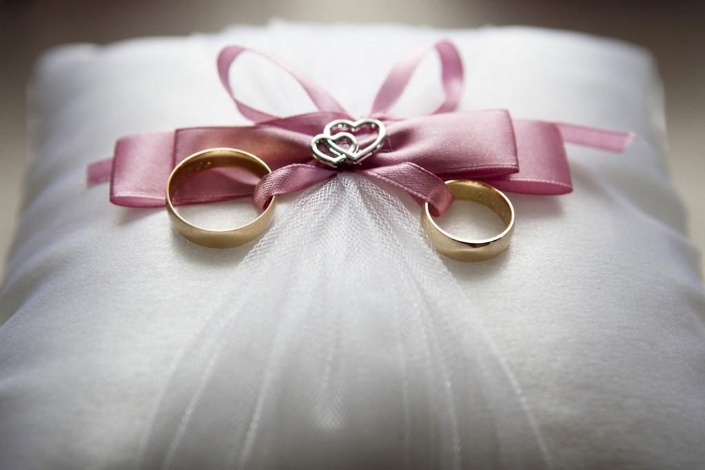 Tárlatot nyitnak a paksi és környékbeli házaspárok esküvői fotóiból
