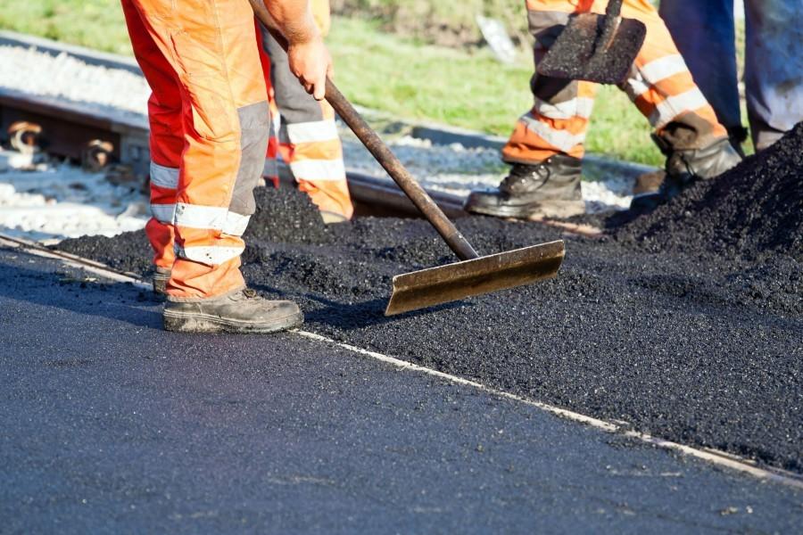Két kilométernyi járdát újítanak fel Györkönyben
