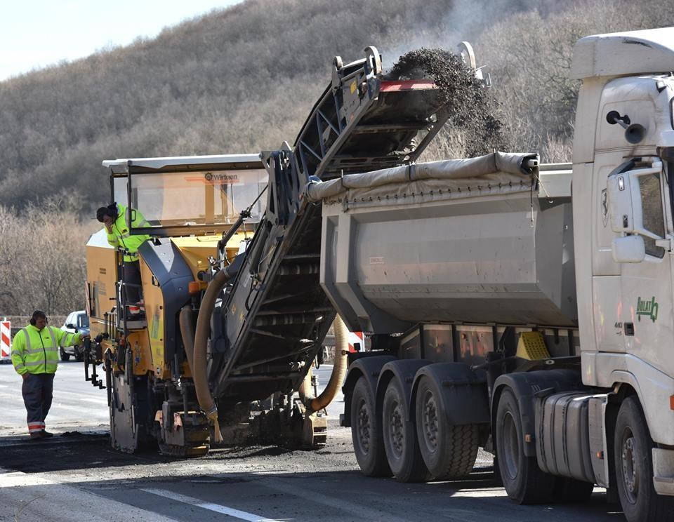 600 kilométer új út építése zajlik